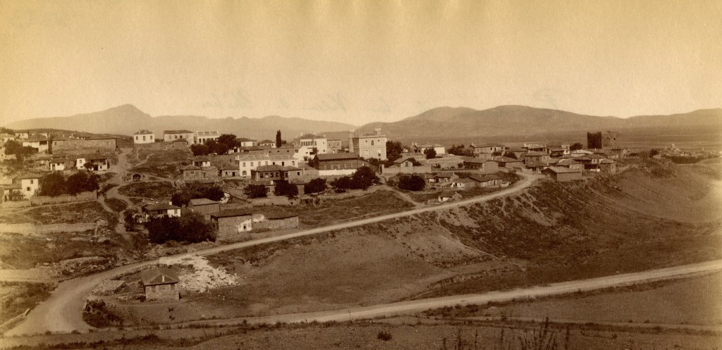 Figure 1: Thebes in 1878. View from the East.